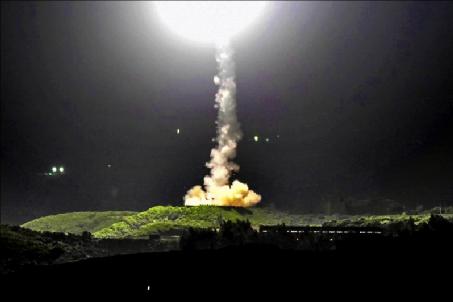 民进党当局量产导弹只会加速自我覆灭!