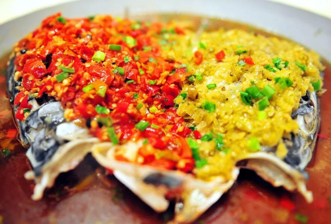 简单几步教你烹饪传统湘菜剁椒鱼