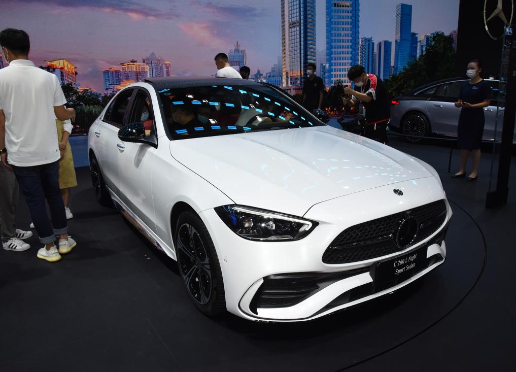 全新一代奔驰C级刚上市,此时买车不划算,建议再等等