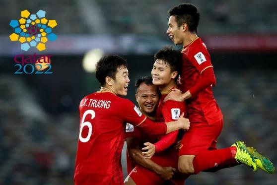 比国足强?韩国主帅不学李铁,越南摆541,1-0领先?裁判拒判点球