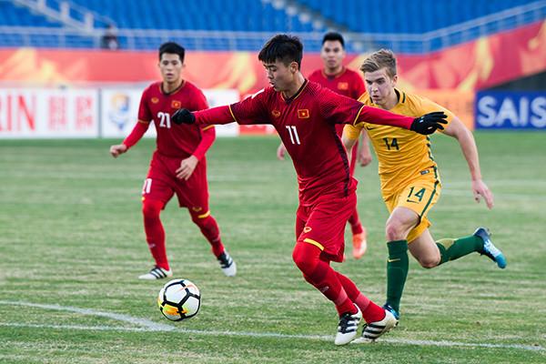12强赛B组最新积分榜:国足垫底,越南憾负,亚洲第6两连胜