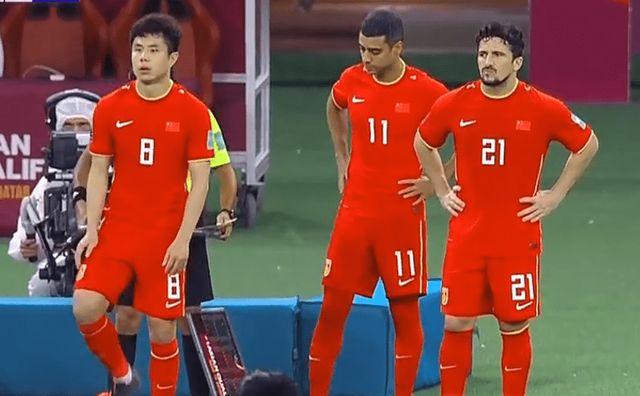 中国队0:1输日本,惨遭2连败+0分小组垫底,下场踢越南争首胜