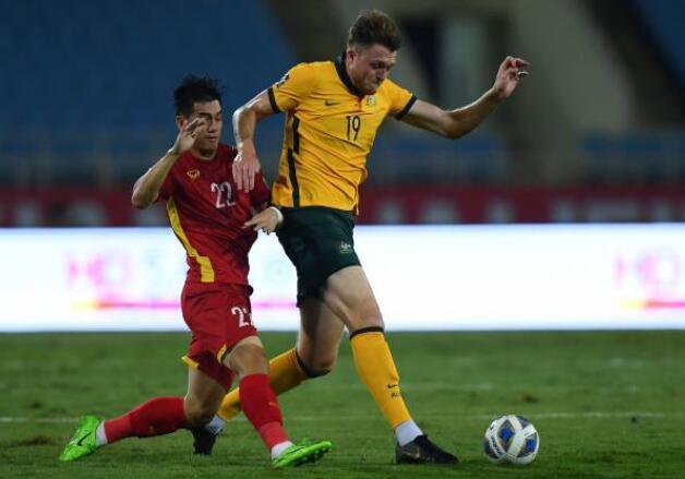 射门9-5!越南0-1憾负澳大利亚引热议,球迷:国足要小组垫底了