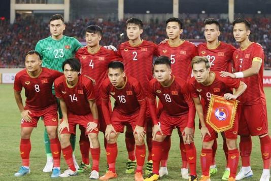 不敢相信!越南队只是小负澳大利亚,为什么与国足形成鲜明对比?