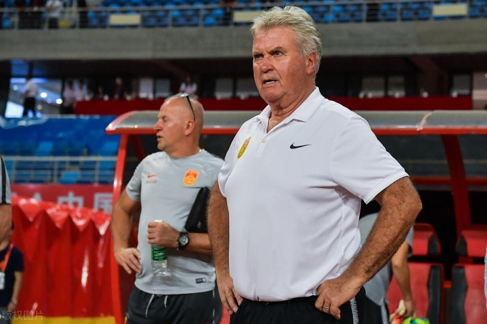 别了,神奇主帅!74岁名帅退休,曾执教国奥,因0-2不敌越南下课