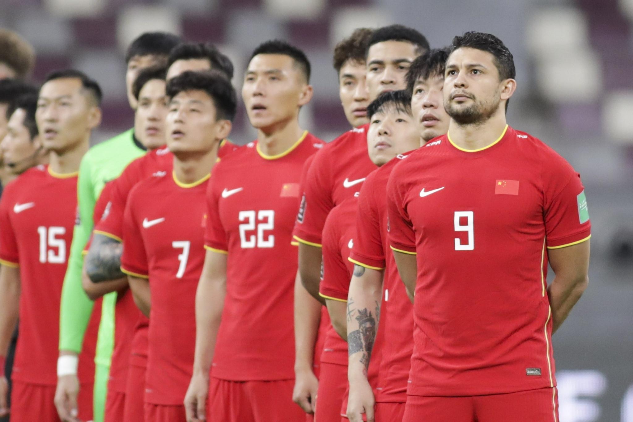 国足难赢越南,两场比赛全面落后对手,需要谨防越南一点