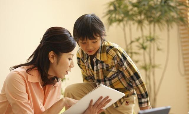 """被孩子""""讨好"""",是父母教育的失"""