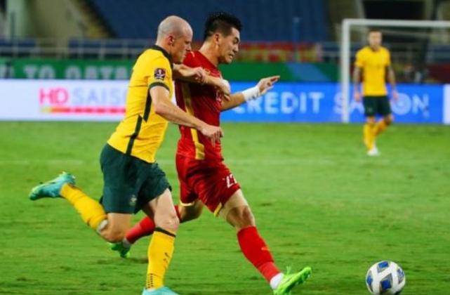 1:0!澳大利亚险胜越南,十二强赛黑马令人刮目相看,李铁难了