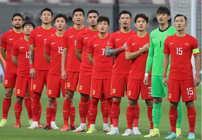 2战0球+垫底!越南球迷嘲笑国足:中国队怕输给我们,有归化没用