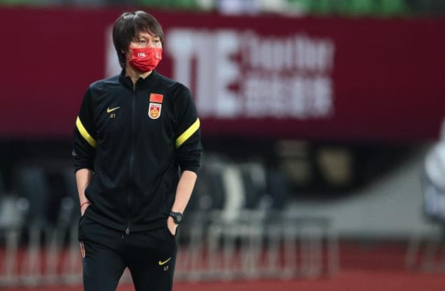 越媒:国足在日本队面前像个乌龟,他们急需击败越南来证明自己