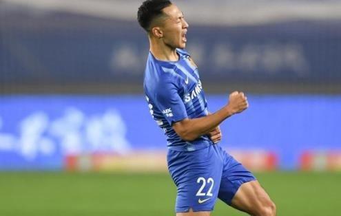 两连败后还有坏消息,国足核心停赛无缘对阵越南,谁是最佳替代者