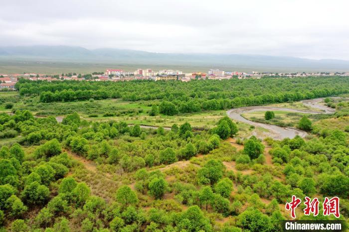 图为贵南县治理后的黄沙头。(航拍资料图) 马铭言  摄