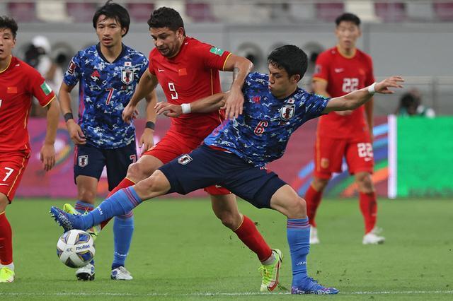 0-3负澳大利亚,0-1再输日本,背水一战踢越南,国足这场真输不起