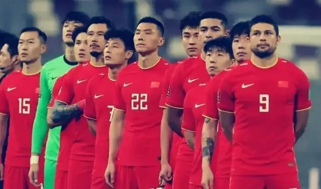 武磊、艾克森、阿兰、洛国富组成国足攻击群,能狂胜越南队么?