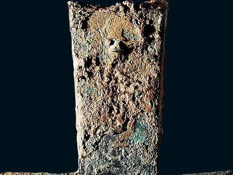 空首布币在春秋战国时期的不同之处
