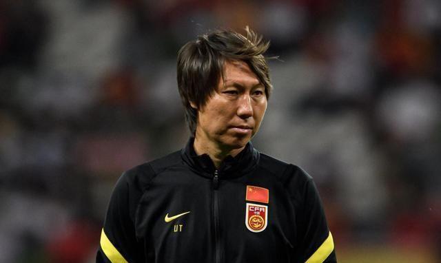 国足冲击世界杯遭打击,超级归化前锋无缘驰援李铁,战越南仍伤缺