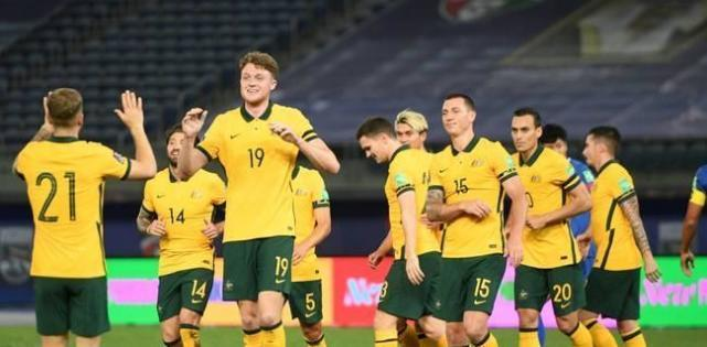 喜讯,1-0!澳大利亚成国足帮手,击败越南可升小组第三,盼大胜