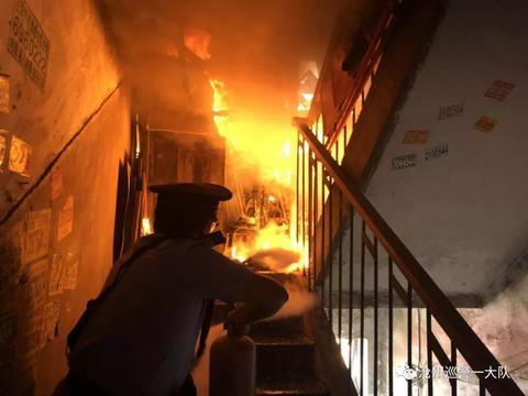 搞物业的小心,楼道杂物火灾,法院支持业主向物业索赔