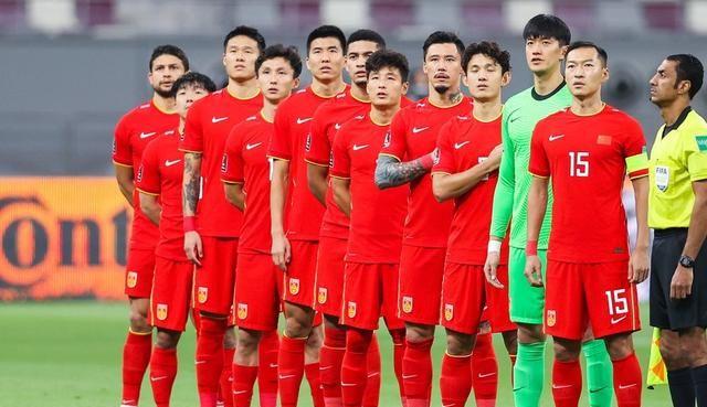 国足两连败之后迎重大利好,越南门神重伤,世预赛首胜越来越近了