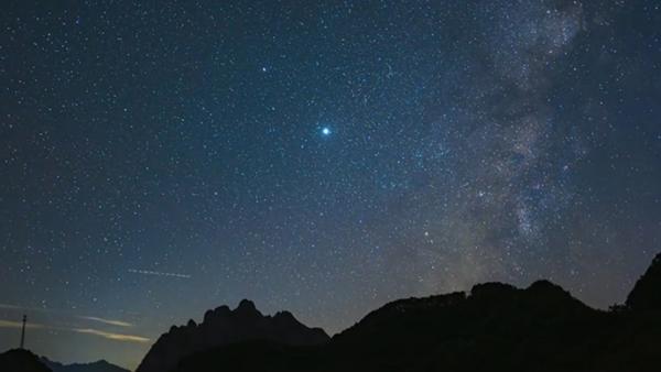 看白云山漫天星辉