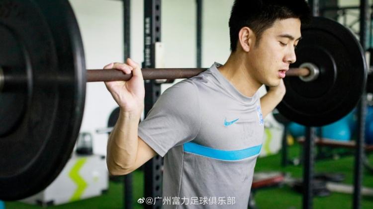广州城更新曾超伤情:即将开始场上康复训练