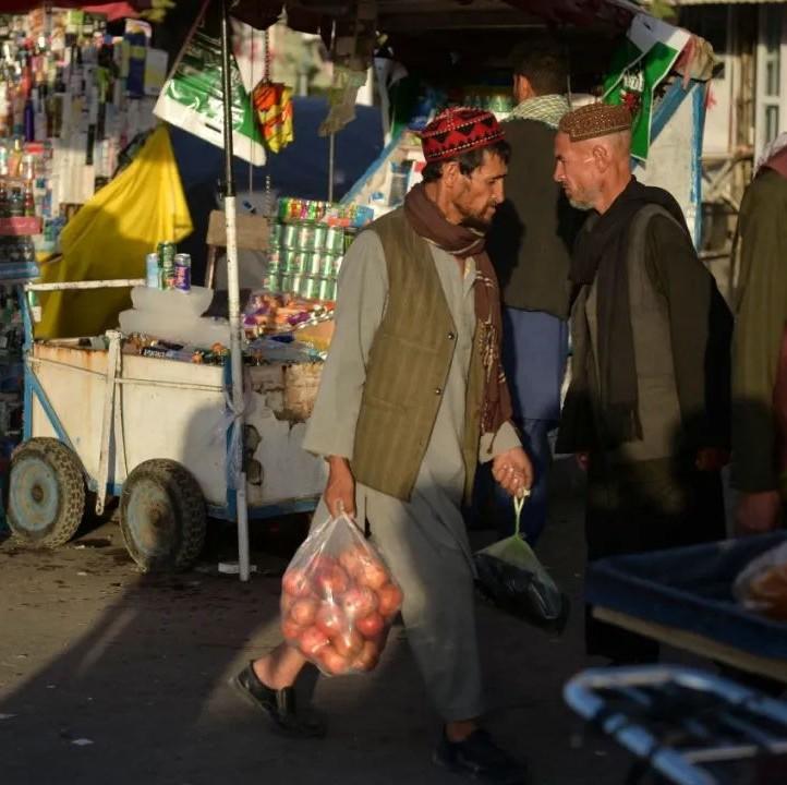 塔利班全面接管阿富汗一个多月 阿富汗人的生活如何