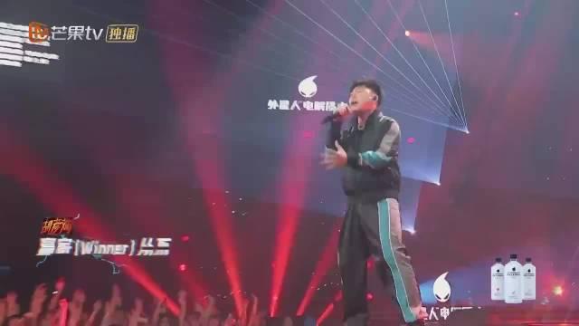 胡彦斌新舞台《碧血丹心》有新版男儿当自强的味道了!