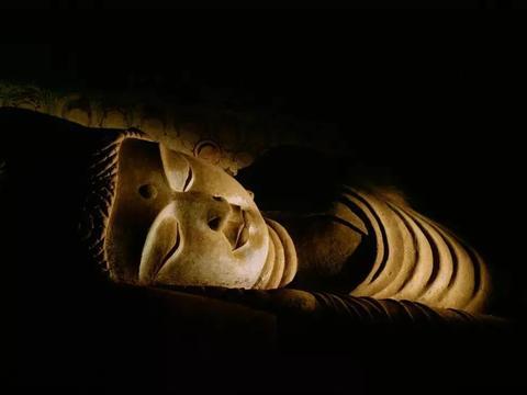 600年的故宫,2000年的敦煌,发生大事了