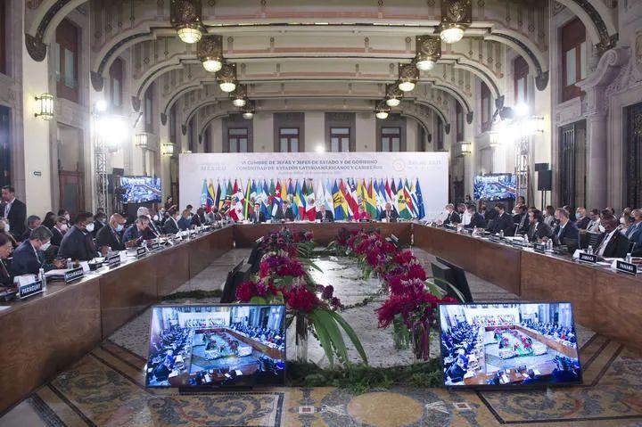 ▲这是9月18日在墨西哥首都墨西哥城拍摄的第六届拉美和加勒比国家共同体首脑会议现场。新华社发