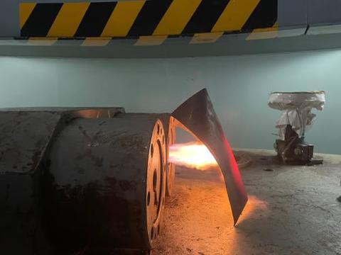 西龙池电站A级检修完成重大节点——转轮成功吊出