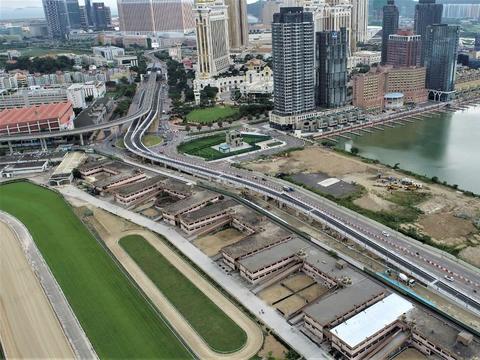 澳门奥林匹克游泳馆圆形地行车天桥9月25日正式开通