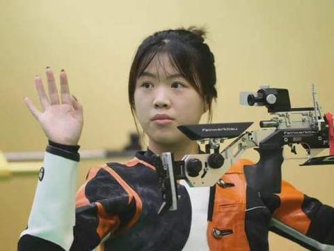 杨倩全运会女子10米气步枪个人赛失金,教练:能拿奖牌已很不容易