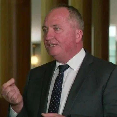 莫里森赴美见拜登 澳副总理出来猛踩法国人