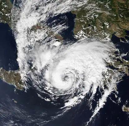 """""""罗马人的小澡盆""""里也能冒出飓风?"""