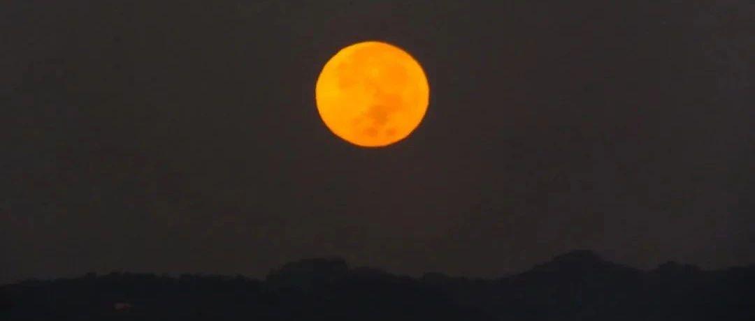 今晚,能看到月亮吗?