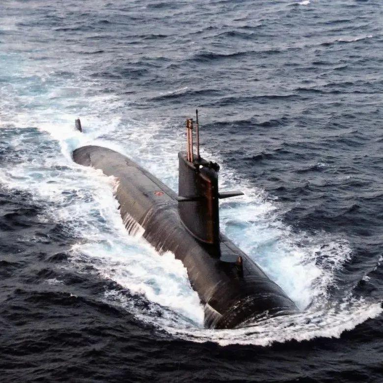 """澳大利亚为何宁愿""""撕破脸""""也要选英美造核潜艇?"""