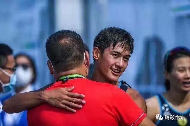 全运会铁人三项混合团体接力赛潍坊运动员谭钊助力山东队夺冠