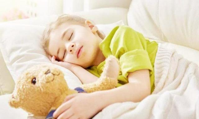 为何现在的孩子睡觉都很晚?家长要重视睡眠质量,了解熬夜的危害