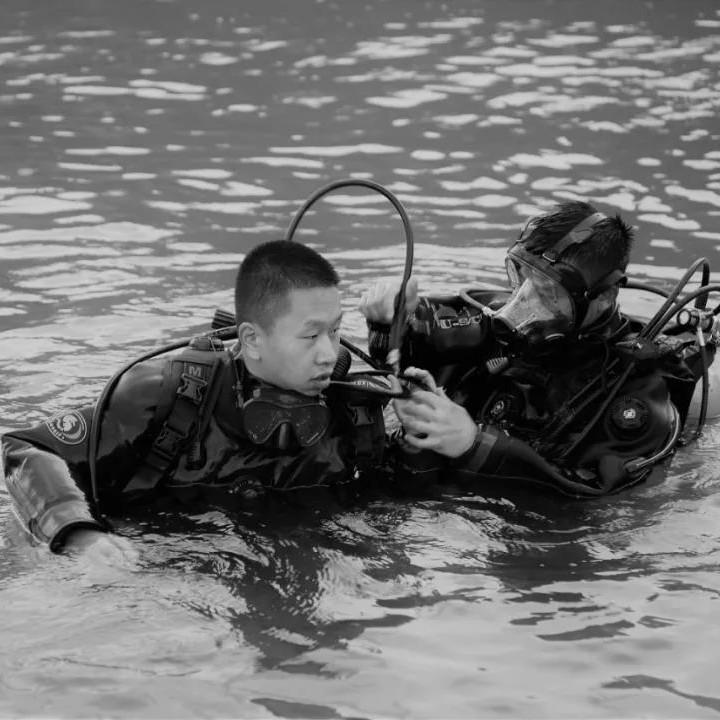 应急管理部批准英勇牺牲的贵州消防员郭伟同志为烈士