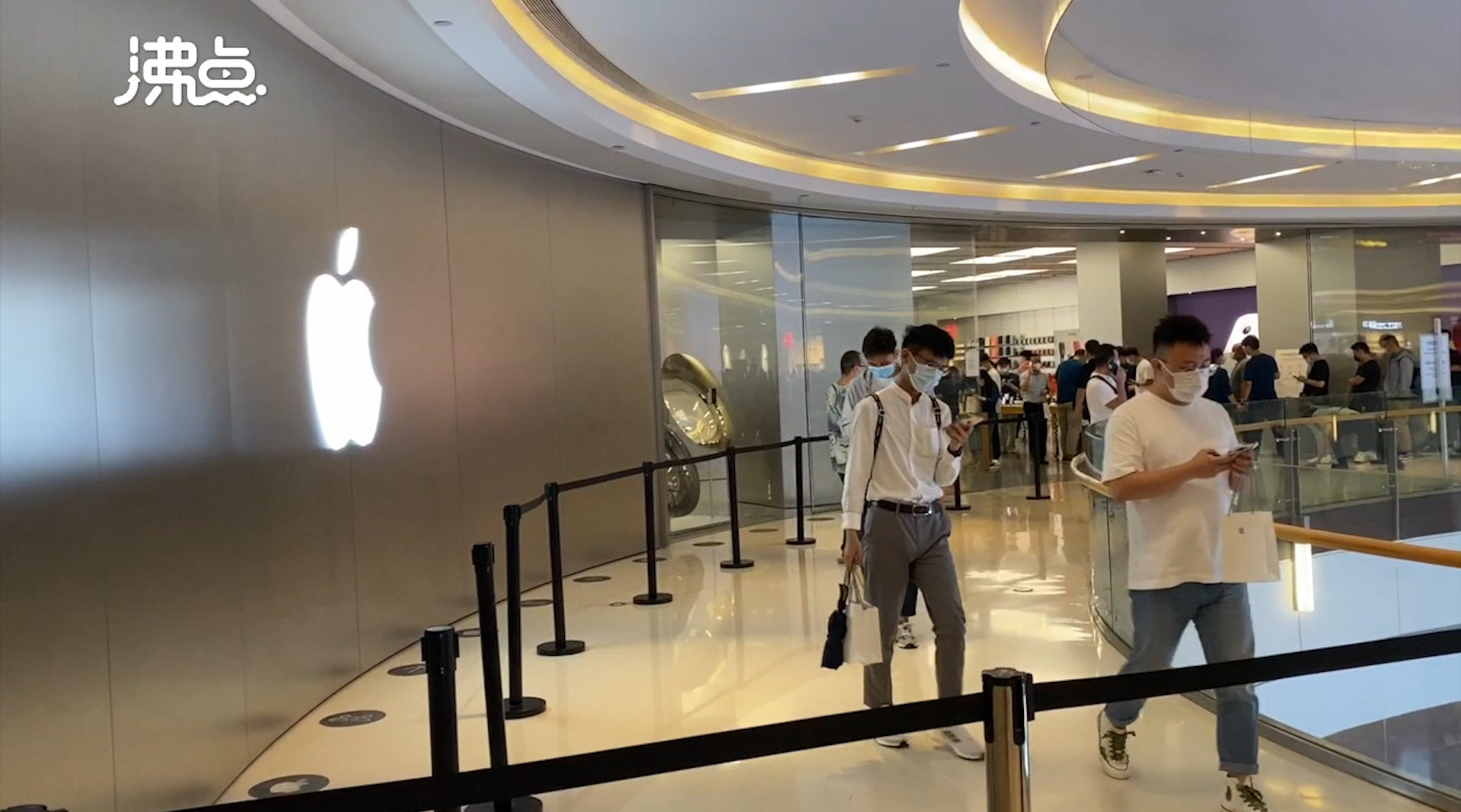 iPhone13系列开卖冷热不一:13破发,Pro加价过千