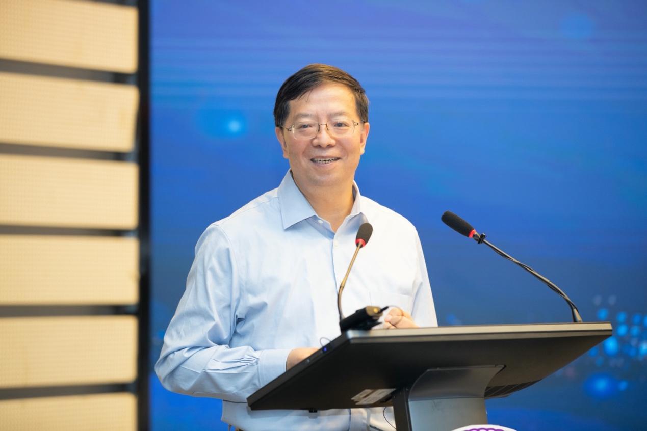清华大学校长谈文科建设工作:压缩博士生规模 提高培养质量