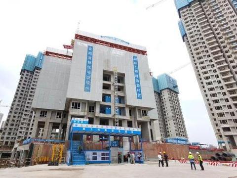 这便是中国速度!首台住宅造楼机亮相重庆,3天便能建成一层楼
