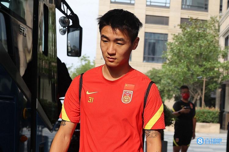 记者:国足队内出现新伤病 张琳芃已基本康复