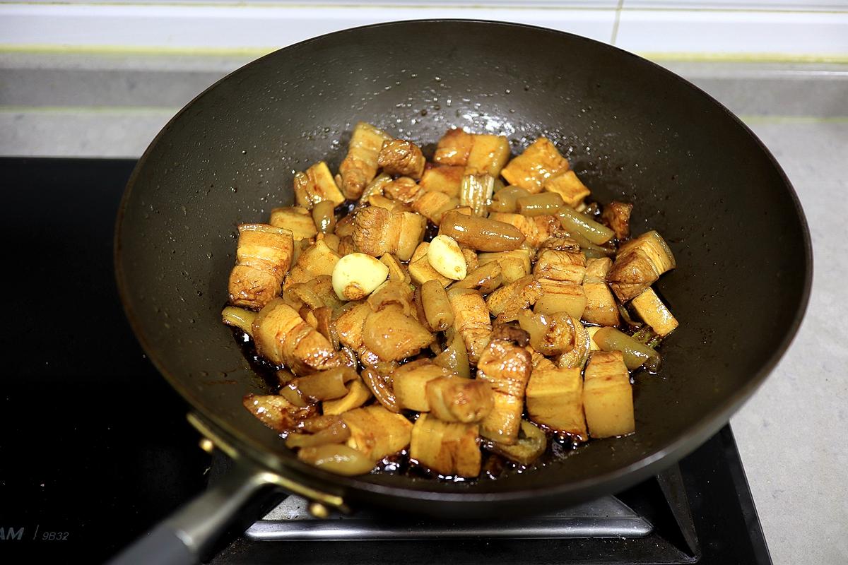 1锅红烧肉做出俩菜,省事解馋又营养,过日子就得这么巧做会吃