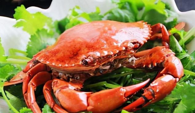 """螃蟹为啥都是""""绑着卖""""?有些人说是为了""""压秤"""",实则不然!"""