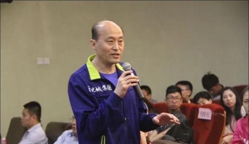 他是中国女排名帅,三次执教国家队成绩都差!现执教联赛也被横扫