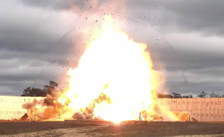 威慑伊朗朝鲜 美国空军试验超大型钻地炸弹