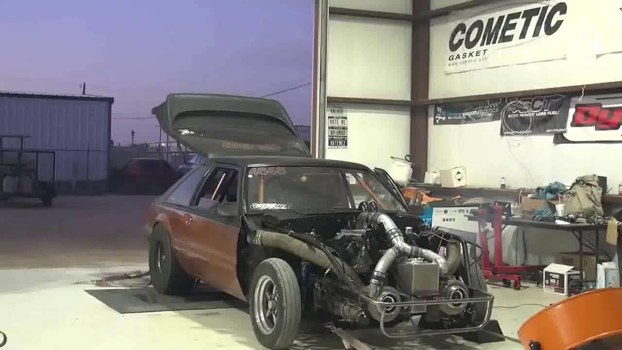 把发动机开爆缸的瞬间,太虐车了