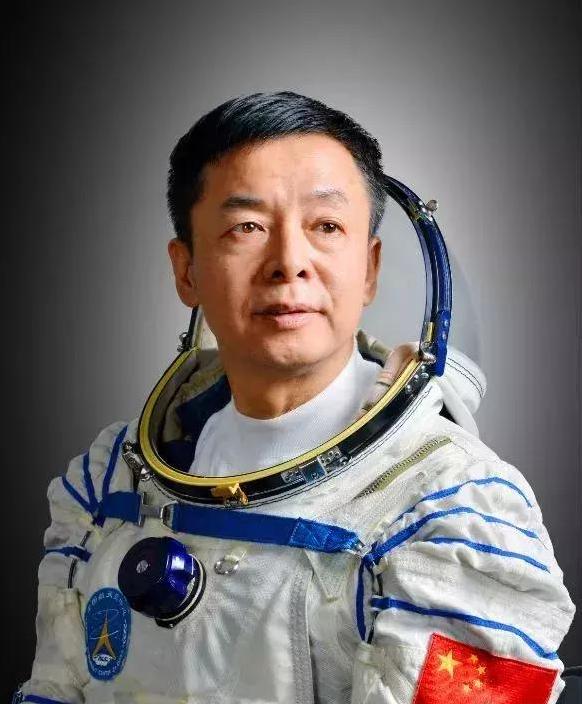 """备战23年至今无缘""""飞天"""",他说:任务的成功即是我的成功"""