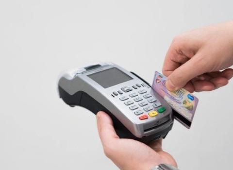 """为什么信用卡是家庭理财必不可少的""""工具""""?"""
